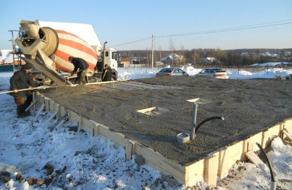 Добавки в бетон: какие они бывают и зачем применяются?