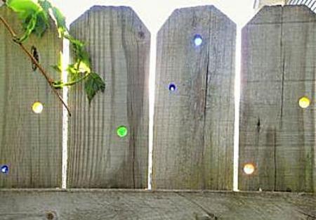 Как украсить забор на даче? Украшение, декорирование забора своими руками