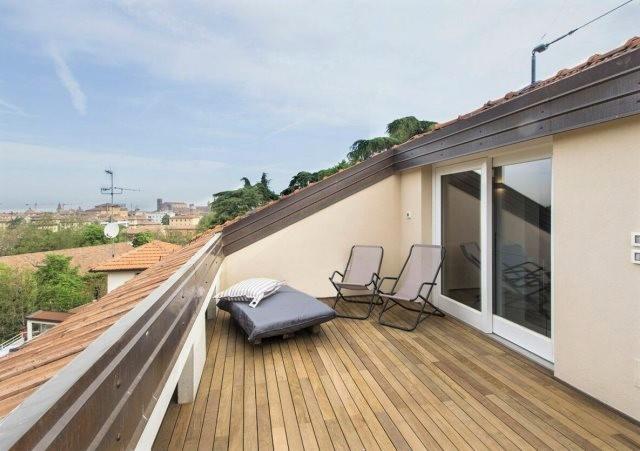 Какой может  быть терраса на крыше? Идеи и важные нюансы устройства