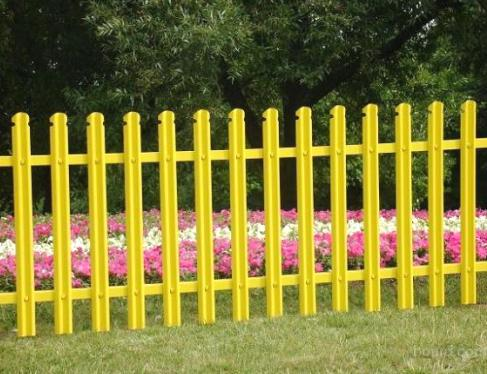 Покраска забора. В какой цвет и чем покрасить забор на даче?